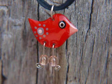 červený ptáček přívěšek