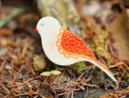 červený ptáček brož