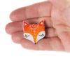 handmade brož liška na ruce