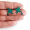 zelené žáby na ruce